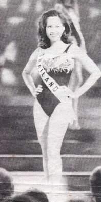 รวมชุดว่ายน้ำของนางงามไทยบนเวที Miss Universe (อดีต-ปัจจุบัน) : ปี 1998  คุณชลิดา เถาว์ชาลี