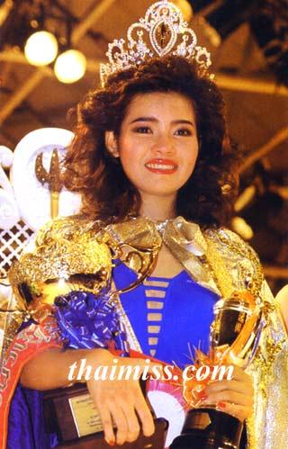 """นางสาวไทยปี 2532 เธอคือ """"ยลดา รองหานาม"""" เคยวางแผนจะเรียน ร.ด.จะเดินตามรอยคุณพ่อนายทหารของเธอ :"""