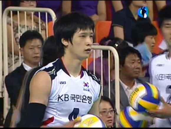 นักวอลเลย์บอลชายเกาหลี :