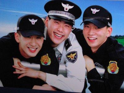 ตำรวจเกาหลี หล่อๆ ทั้งนั้น :