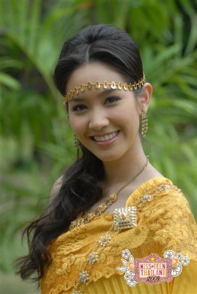 มาดูนักแสดงสาวสวย ละครพื้นบ้าน ว่าใครแต่งตัวชุดไทยในละครสวยที่สุด : มิน-พีชญา  จากเรื่องปลาบู่ทอง 2009