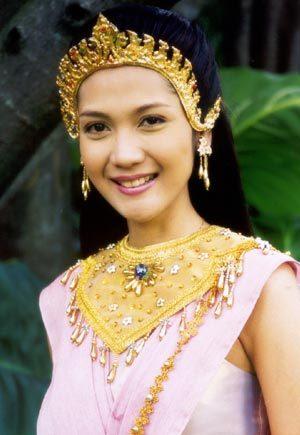 มาดูนักแสดงสาวสวย ละครพื้นบ้าน ว่าใครแต่งตัวชุดไทยในละครสวยที่สุด : ออย-สิริมา  อภิรัตนพันธ์ จากละครเรื่อง นางสิบสอง