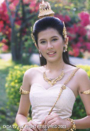 มาดูนักแสดงสาวสวย ละครพื้นบ้าน ว่าใครแต่งตัวชุดไทยในละครสวยที่สุด : บี-มาติกา อรรถกรศิริโพธิ์ จากเรื่อง อุทัยเทวี