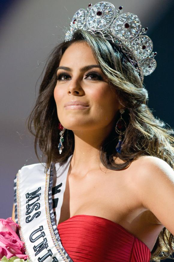 ใครคือ Miss Universe ที่สวยที่สุด : Jimina Navaratte 2010 เม็กซิโก