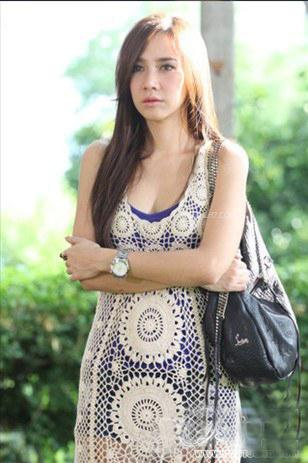 แฟชั่นสวยๆ ของ อั้ม พัชราภา จากละครในรอยรัก :