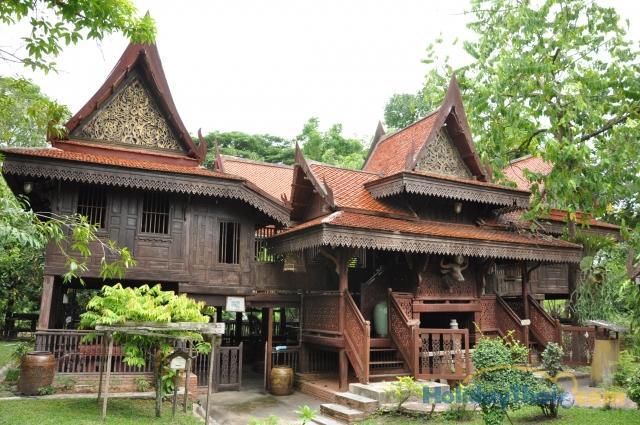 บ้านทรงไทย :