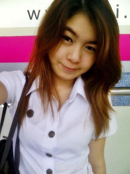 สาวสวยน่ารัก จาก Facebook :