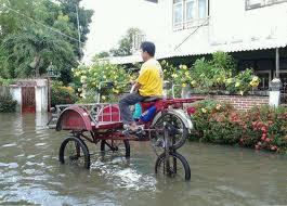 แหมแบบนี้จะให้ไม่ฮาได้ไงช่วงน้ำท่วมเนี่ย : รถในอนาคต