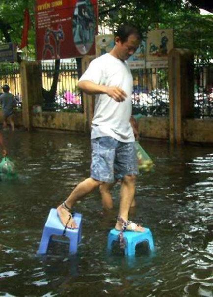 แหมแบบนี้จะให้ไม่ฮาได้ไงช่วงน้ำท่วมเนี่ย : บู้ดมันแพง