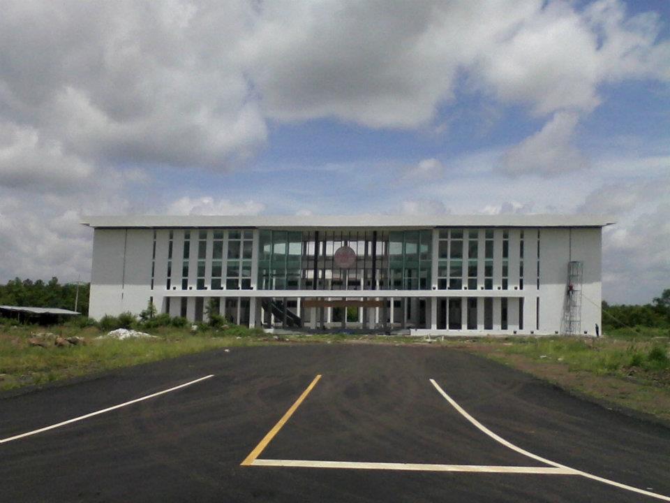 ศูนย์ราชการใหม่ยิ่งใหญ่กว่าเดิม รองรับประชาคมอาเซี่ยน : อาคารองค์การบริหารส่วนจังหวัดบุรีรัมย์