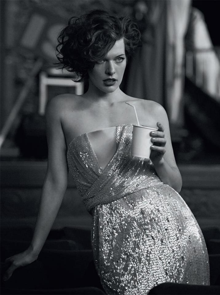 Milla Jovovich @ Vogue Italia September 2012 :