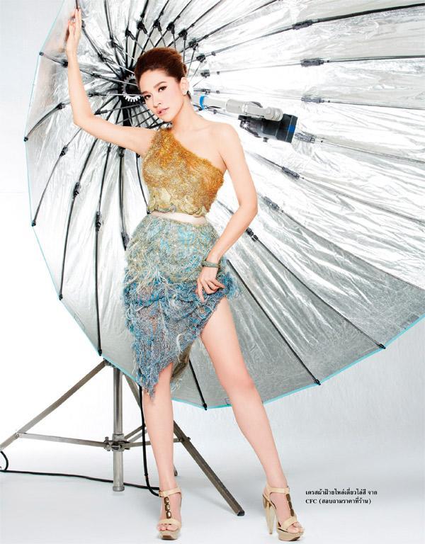 พลอย-เฌอมาลย์ @ Lisa weekly 12-9-12 :