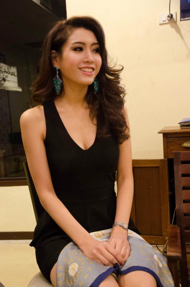 กวาง พรภัสสร อัตถปัญญาพล ตัวแทนสาวไทยไปประกวด Miss Tourism Queen of the Year International 2012 :