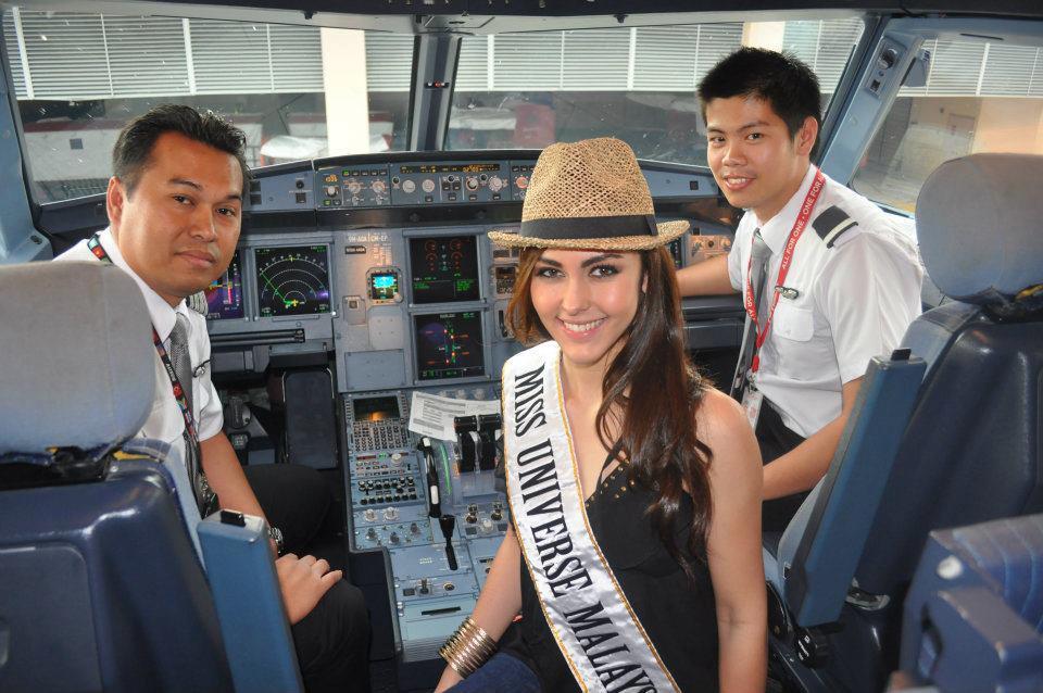 เมื่อ miss malaysia มาเจอ โบ เบญจวรรณ ของเรา จะเหลือหรอ ! 555 :