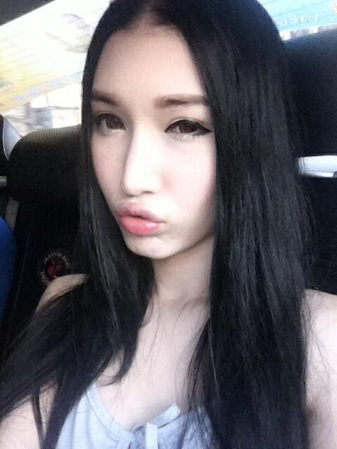 กระเทยสวยใน Facebook : พี่เนิร์ส ขาวออร่ามากกก เป็นนางงามอีกด้วย สวย เริด