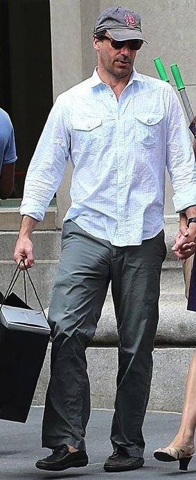 พระเอก...ใหญ่ เป้าตุงแย่งซีน ถูกกองถ่าย สั่งใส่กางเกงในลดตุง :