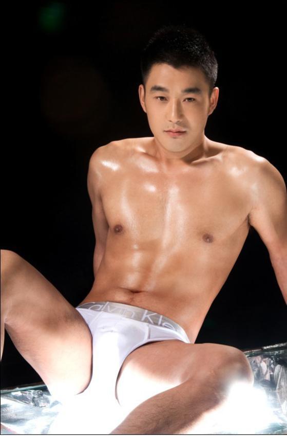 จัดป่ะ24 นายแบบกางเกงชั้นในเอเชีย แซ่บ.. บ่องตง
