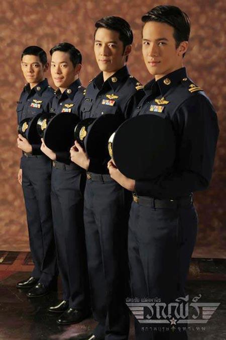 ทหารอากาศ แซบเว่อร์ !! ใน สุภาพบุรุษจุฑาเทพ ตอน คุณชายรณพีร์ :