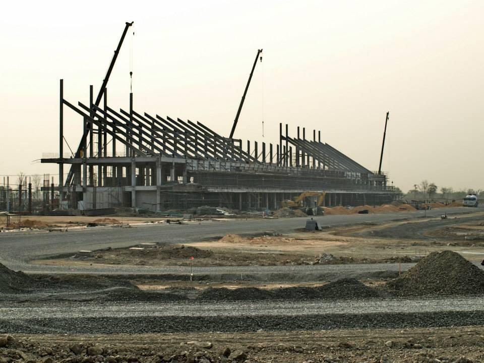 อัพเดทการก่อสร้างสนามแข่งรถบุรีรัมย์ อภิมหาโปรเจคของเมืองไทย : สแตนนี้สามารถจุผู้เข้าชมได้ถึง5หมื่นกว่าคน