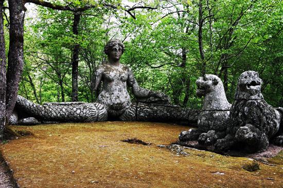 สวนสัตว์ประหลาด เมืองโบมาร์โซ ที่ ลาซิโอ