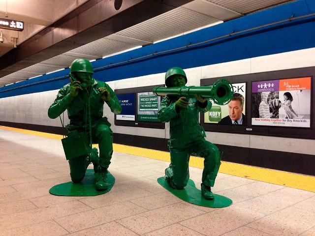 plastic_army_men_halloween_costume_01